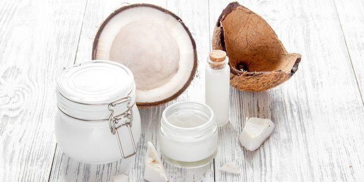 Dầu dừa là dưỡng chất tuyệt vời cho mái tóc khỏe mạnh và bồng bềnh