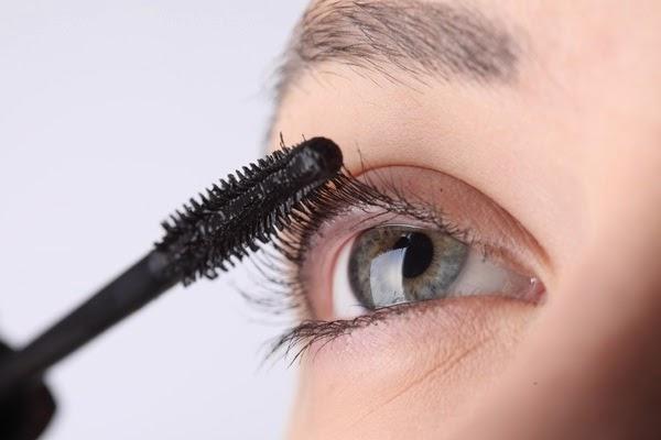 Mascara từ dầu dừa - sản phẩm được nhiều người sử dụng hiện nay