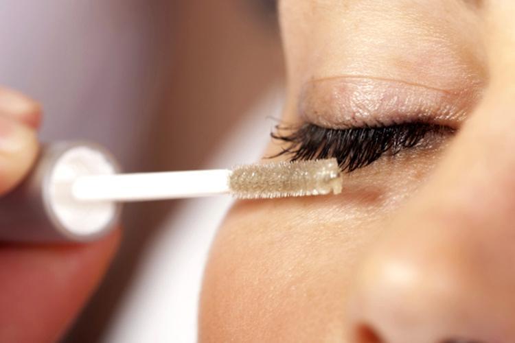 Mascara dầu dừa rất được ưa chuộng hiện nay